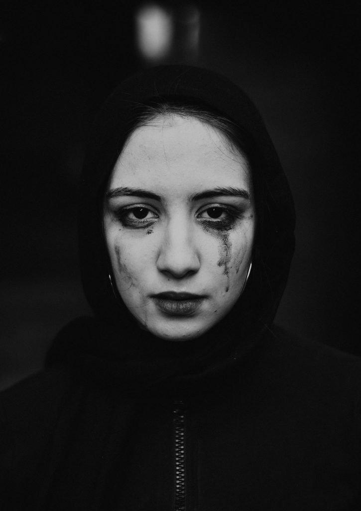 صور حزينة للبنات عن الفراق بدون كلام اجمل الصور الحزينة للفراق بدون عبارات للبنات خلفيات حزينة للواتس للموبايل Hd 2020 مربع