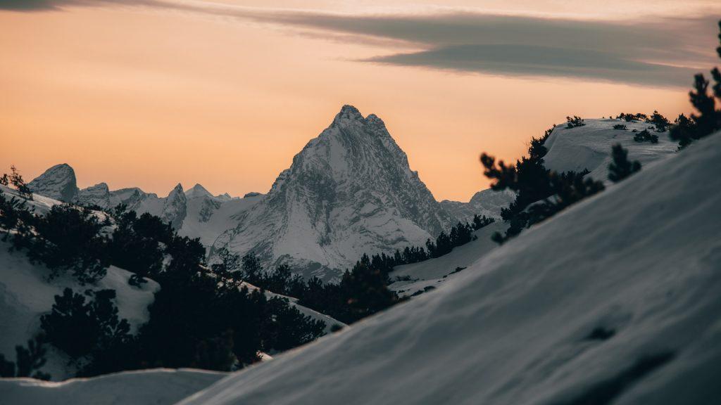 خلفيات للكمبيوتر 4k عالية الجودة طبيعة جبال 2020 مربع