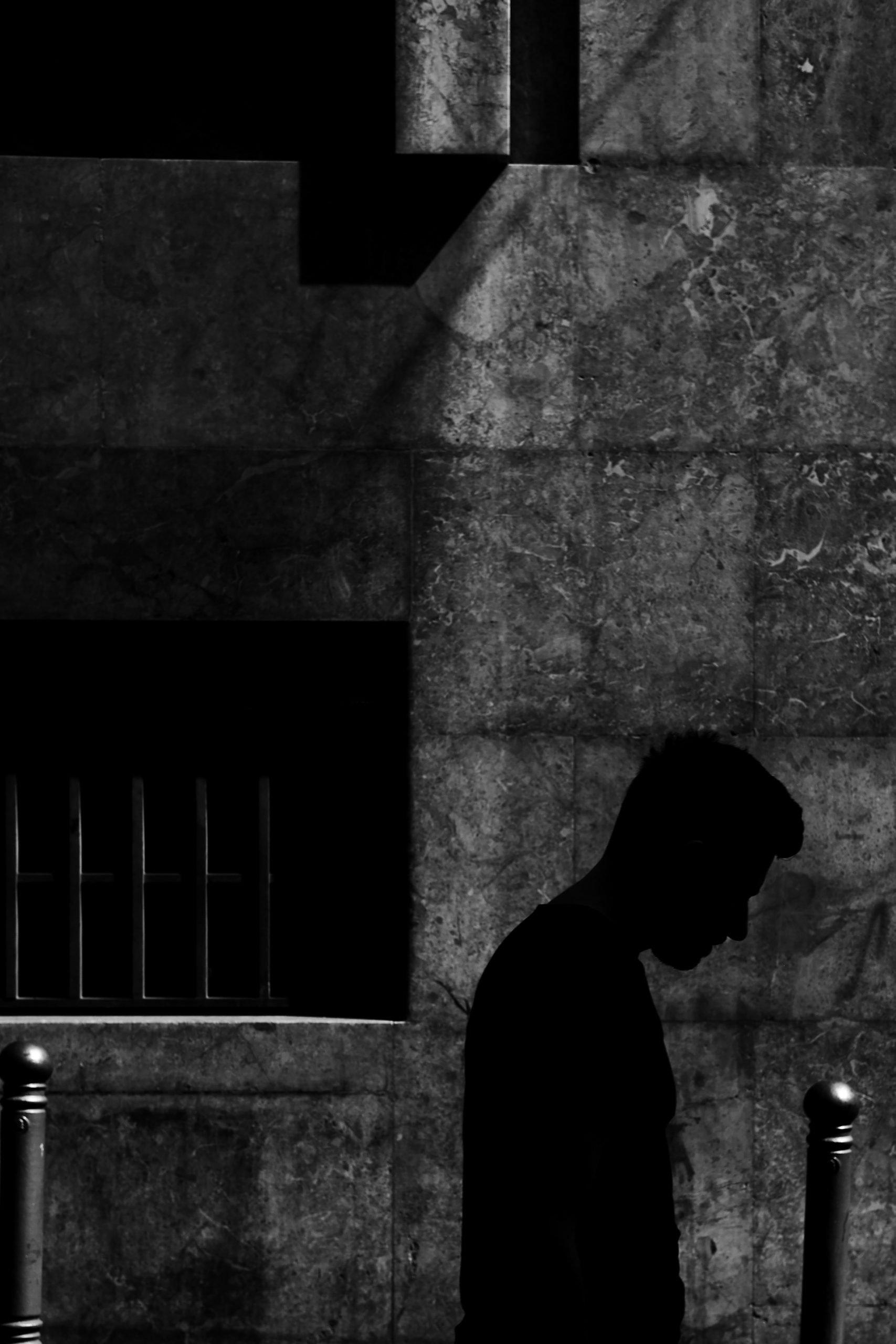 صور خلفيات سوداء حزينة للشباب عن الفراق للموبايل ايفون Hd 2020 مربع