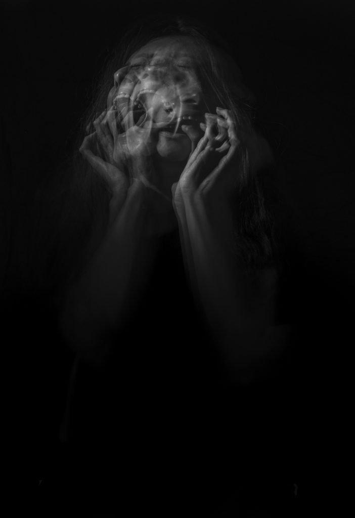 صور حزينة عن الاكتئاب والوحدة للبنات للشباب خلفيات للموبايل ايفون